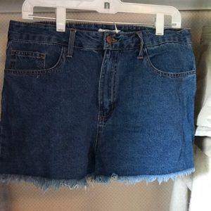 Forever 21 medium wash blue jean shorts